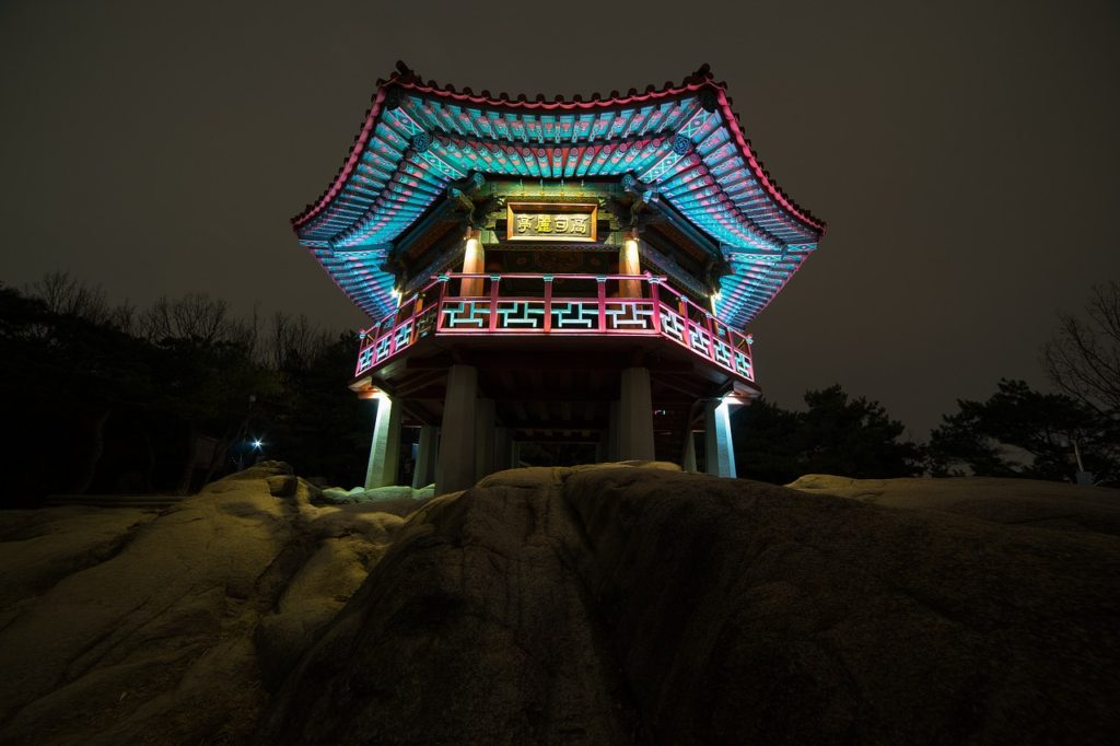 Korea_night-view-654393_1280