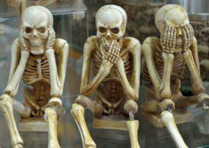 skeletons-1617539_1280